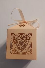 Pudełeczko dekoracyjne na cukierki, dla gości, różowe