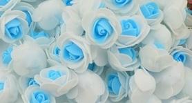 Piękne róże piankowe biało - niebieskie - 10szt. kreatywne