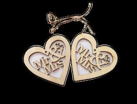 Duże drewniane serduszka Mr i Mrs ze sznureczkami - 2 szt.